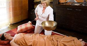 Klangschalenmassage - Wellness in Bayern